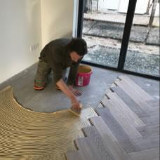 houten vloer vakkundig gelegd